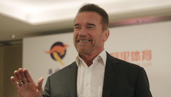 Arnold Schwarzenegger - Sputnik Mundo