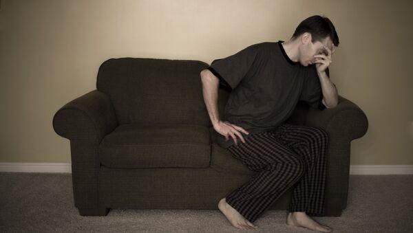 Un hombre depresivo (imagen referencial) - Sputnik Mundo