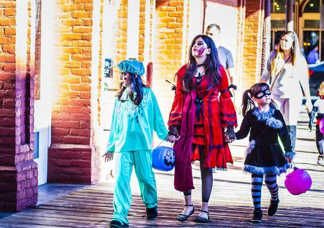 Una familia disfrazada para Halloween (foto ilustrativa)