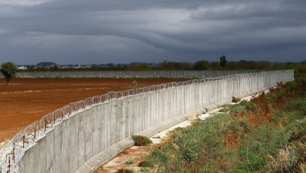 Muro en la frontera entre Turquía y Siria - Sputnik Mundo