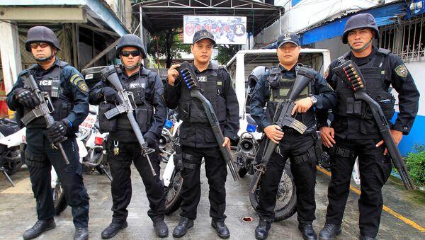 Miembros del equipo SWAT de la Policía Nacional de Filipinas (archivo) - Sputnik Mundo
