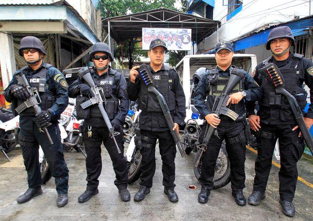 Miembros del equipo SWAT de la Policía Nacional de Filipinas