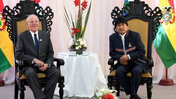 El presidente de Perú, Pedro Pablo Kuczynski y el presidente de Bolivia, Evo Morales - Sputnik Mundo