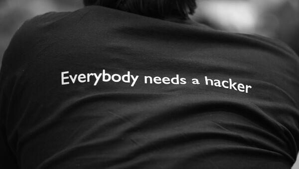 'Cada uno necesita a un hacker' - Sputnik Mundo