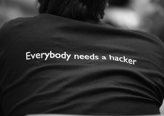 'Cada uno necesita a un hacker'