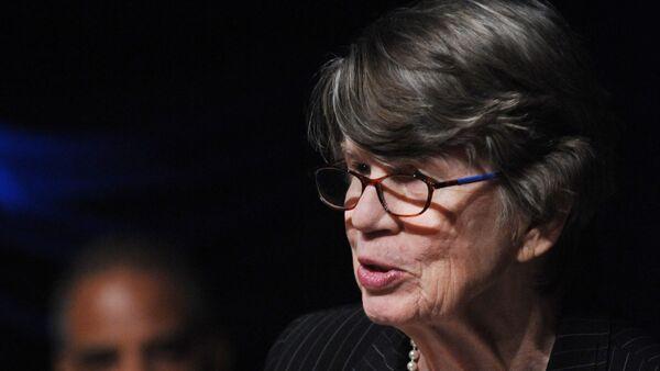 Janet Reno, primera mujer en ser fiscal general en EEUU - Sputnik Mundo