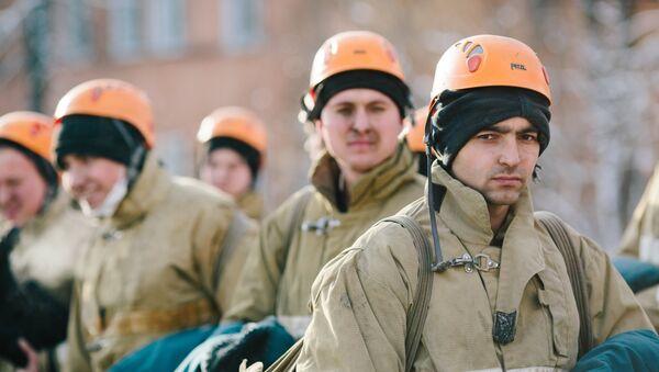 Los socorristas rusos - Sputnik Mundo