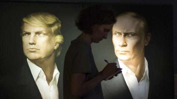 Los retratos de Donald Trump y Vladímir Putin - Sputnik Mundo
