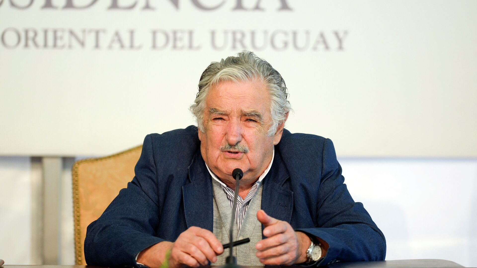 Uruguay's President Jose Mujica speaks during a joint news conference with Chile's President Michelle Bachelet - Sputnik Mundo, 1920, 25.05.2021