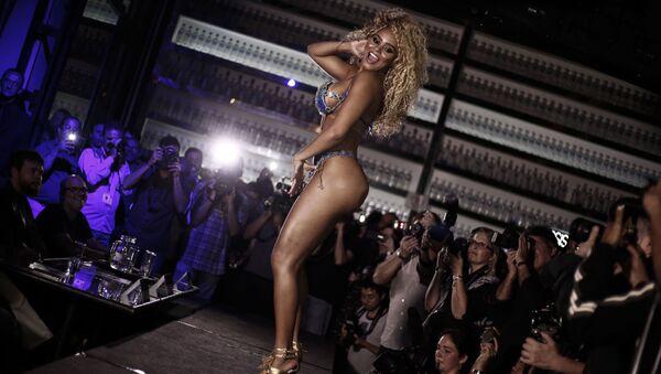 Участница конкурса красоты Miss Bumbum Brazil в Сан-Паулу - Sputnik Mundo