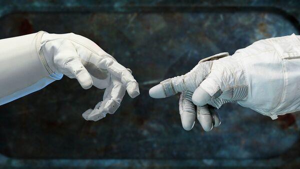 Las manos de astronautas - Sputnik Mundo