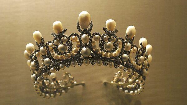 Una corona (archivo) - Sputnik Mundo