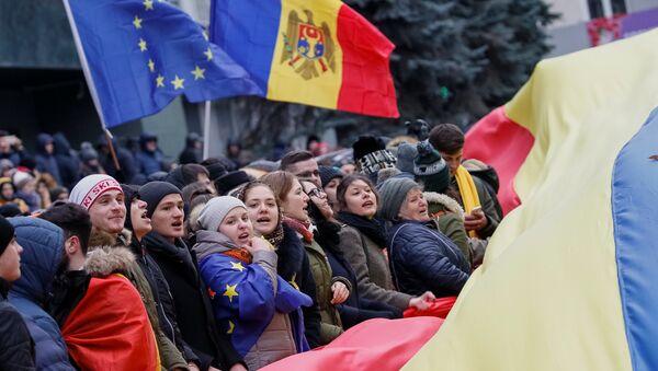 Seguidores de la asociación con la UE en Moldavia - Sputnik Mundo