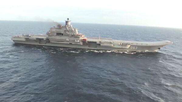 El portaviones Almirante Kuznetsov en las costas de Siria, en aguas del Mediterráneo. - Sputnik Mundo