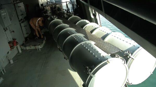La fragata Almirante Grigoróvich de la flota del mar Negro de la Federación rusa, en las costas de Siria, en aguas del Mediterráneo. - Sputnik Mundo