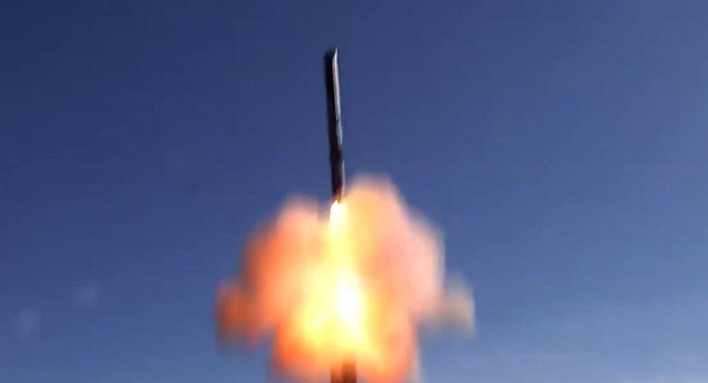 La distancia de vuelo de los misiles Ónix es de 300 kilómetros.