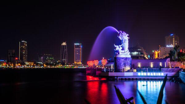 Una escultura de un dragón chino, símbolo del país asiático - Sputnik Mundo