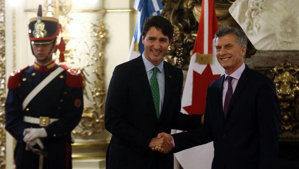 Mauricio Macri, el presidente de Argentina, y Justin Trudeau, el primer ministro de Canadá - Sputnik Mundo