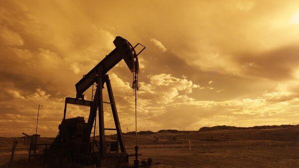 Extracción de petróleo (imagen referencial) - Sputnik Mundo