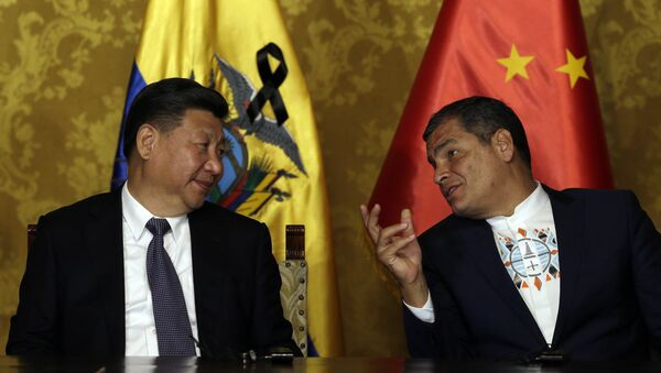 Presidente de China, Xi Jinping, y Rafael Correa, presidente de Ecuador - Sputnik Mundo