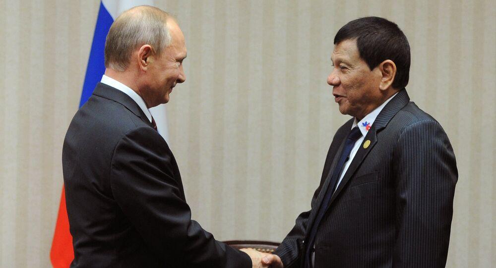 El presidente de Rusia, Vladímir Putin, y su homólogo filipino, Rodrigo Duterte, discutieron los temas bilaterales