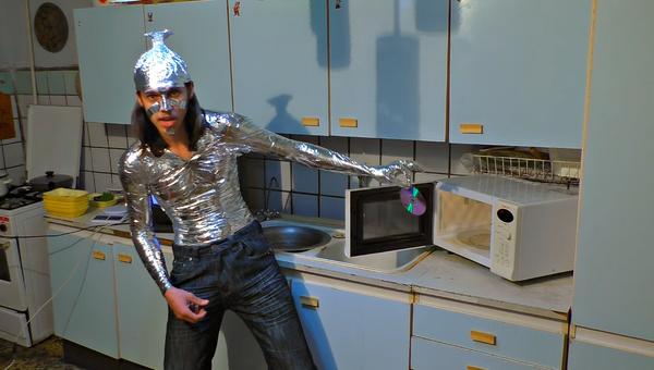 ¿Qué pasa si abres un microondas encendido? - Sputnik Mundo
