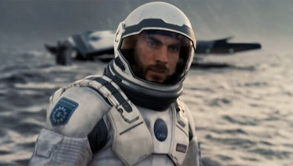 Escena de la película 'Interestelar' - Sputnik Mundo