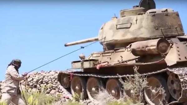 El legendario T-34 lucha en Yemen - Sputnik Mundo