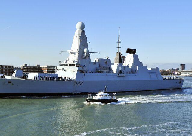 Destructor HMS Daring de la Armada Real británica
