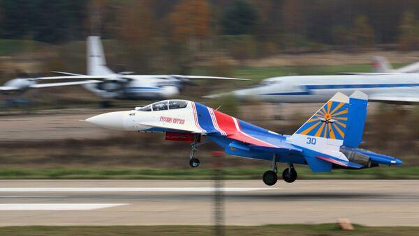 Русские Витязи получили первые четыре истребителя Су-30СМ - Sputnik Mundo