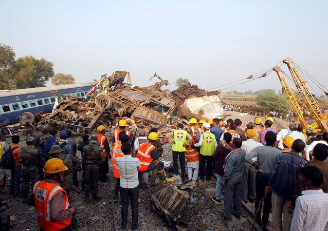 El tren descarrilado en la India