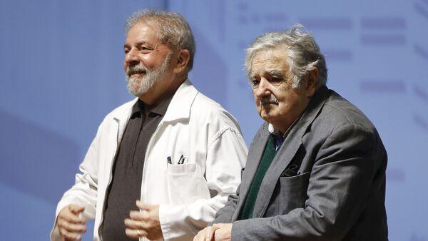 José Mujica, expresidente uruguayo, y Luis Inacio Lula da Silva, expresidente brasileño (archivo) - Sputnik Mundo