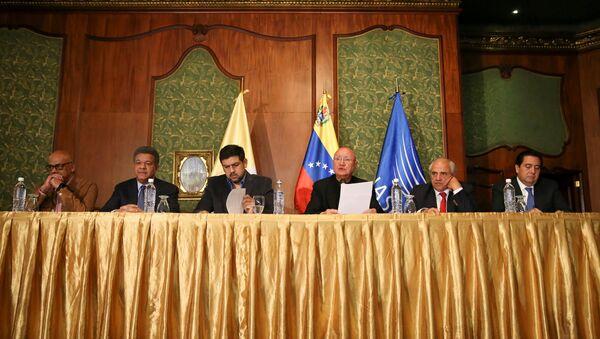 Diálogo entre el Gobierno de Venezuela y la oposición (archivo) - Sputnik Mundo