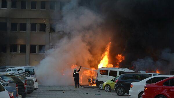 Consecuencias de la explosión en Adana, Turquía - Sputnik Mundo