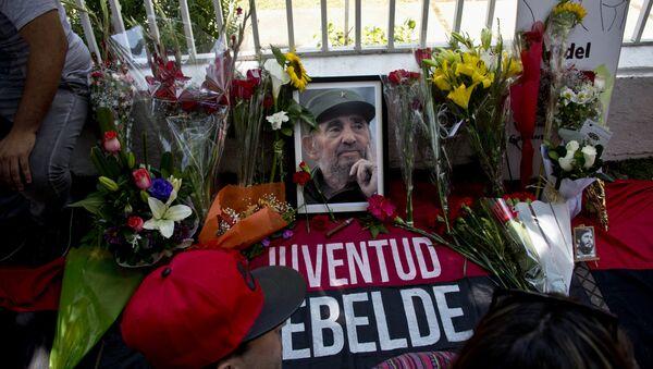 Chilenos lloran la muerte de Fidel Castro - Sputnik Mundo