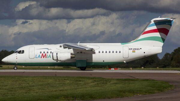 El avión RJ85 matrícula CP-2933 de la aerolínea boliviana LaMia - Sputnik Mundo