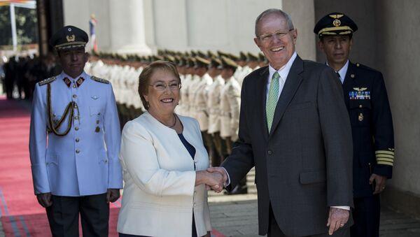 Michelle Bachelet, presidenta de Chile, y Pedro Pablo Kuczynski, presidente de Perú - Sputnik Mundo