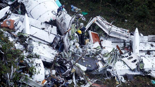 Restos del avión dónde viajaba el equipo de fútbol Chapecoense (archivo) - Sputnik Mundo