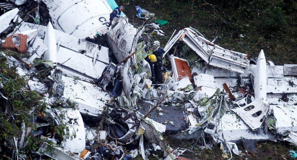 Restos del avión con futbolistas del club brasileño Chapecoense