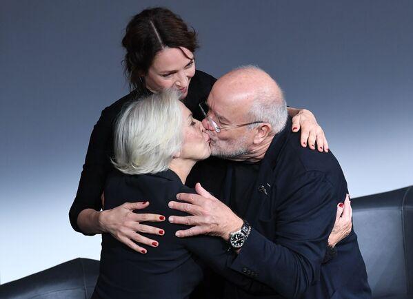 Helen Mirren, Uma Thurman y Peter Lindbergh - Sputnik Mundo