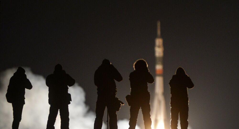 Téstigos del lanzamiento del Soyuz-FG