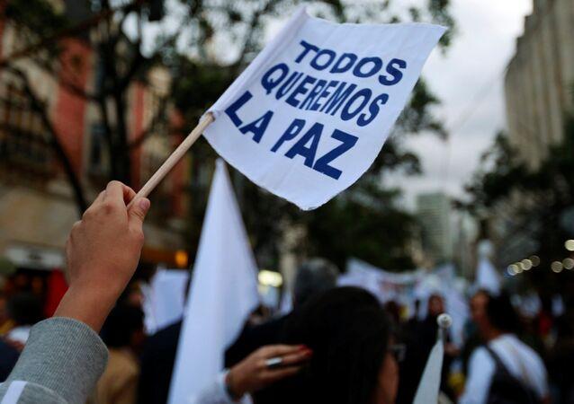 Una manifestación en apoyo de la firma del nuevo acuerdo de paz entre el Gobierno de Colombia y las FARC (archivo)