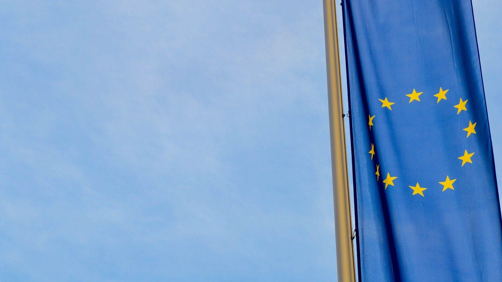 La bandera de la UE - Sputnik Mundo, 1920, 12.04.2021