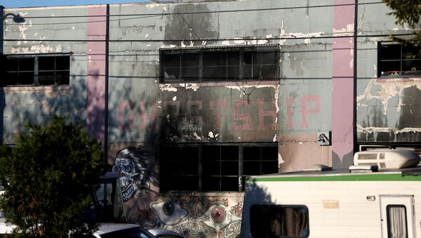 Consecuencias del incendio en Oakland, California - Sputnik Mundo