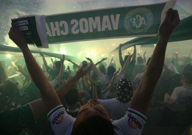 Hinchas del equipo Chapecoense en el estadio Arena Conda