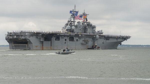 Buque de asalto anfibio estadounidense USS Wasp - Sputnik Mundo