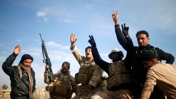 Militares iraquíes en Mosul - Sputnik Mundo