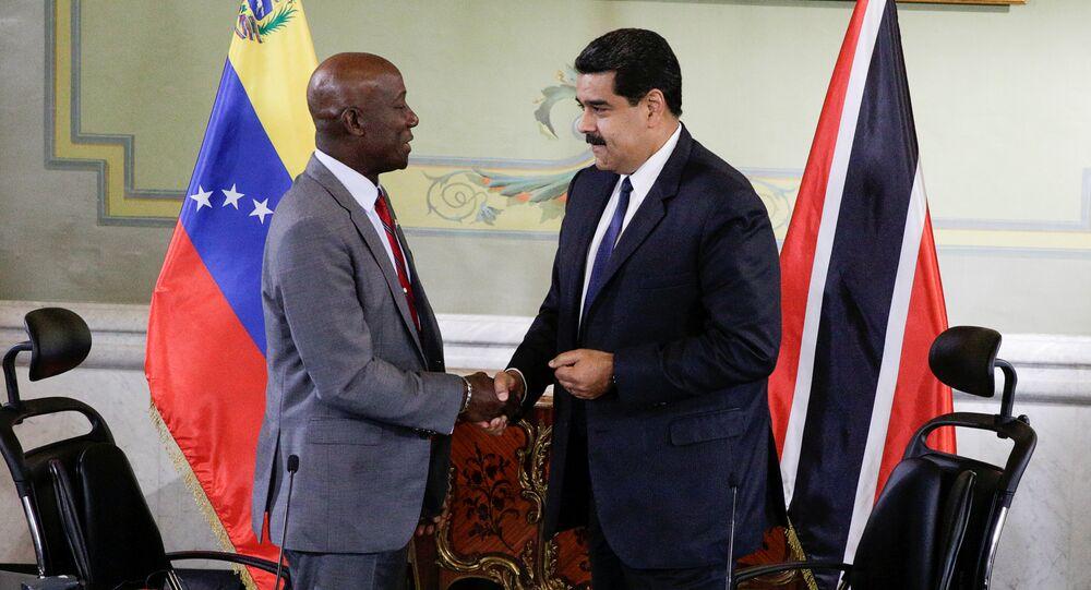 Keith Rowley, primer ministro de Trinidad y Tabago, y Nicolás Maduro, presidente de Venezuela