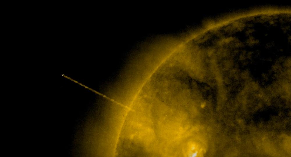 Un ovni cerca del Sol