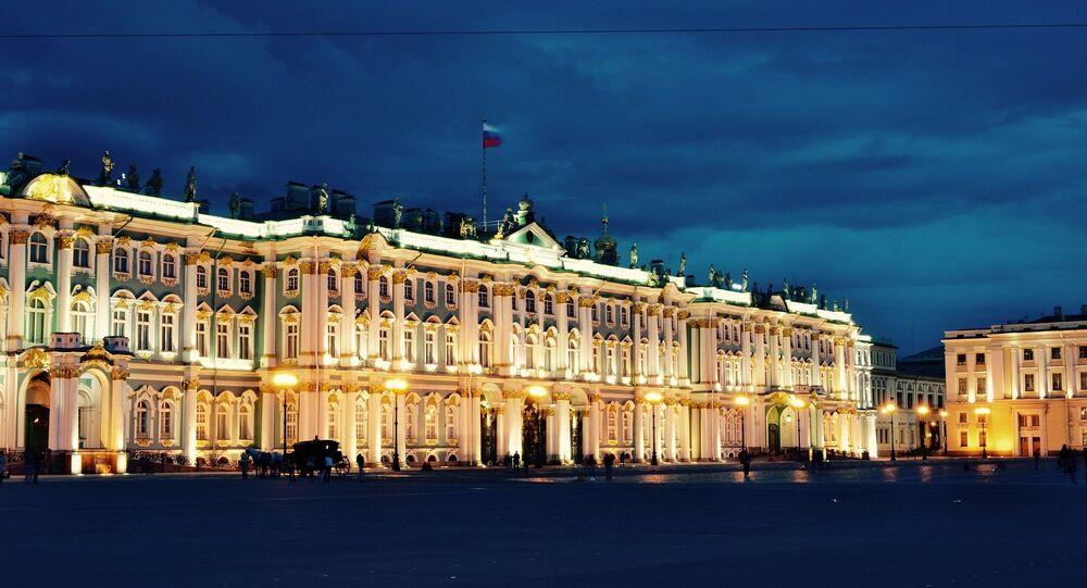 La Plaza del Palacio en San Petersburgo